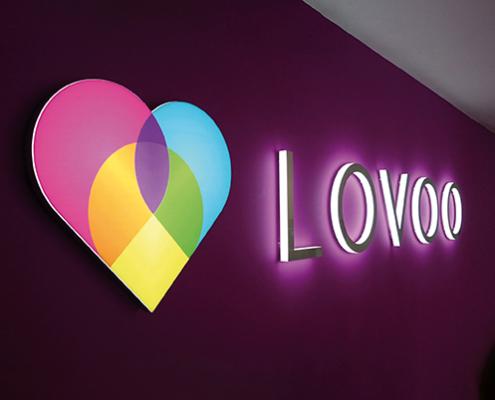Leuchtbuchstaben-Vollacrylbuchstaben-Lovoo-495x400