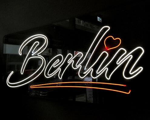 Lichtwerbung-LED-Neon-Sign-Berlin-495x400